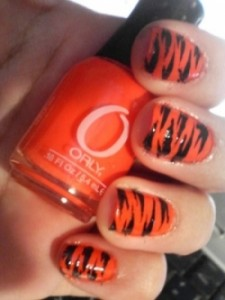 orange_nails1_thumb