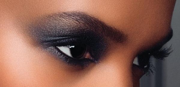 Bien connu Maquillage peau noire et métissée : Se maquiller comme Liya Kebede  VR71