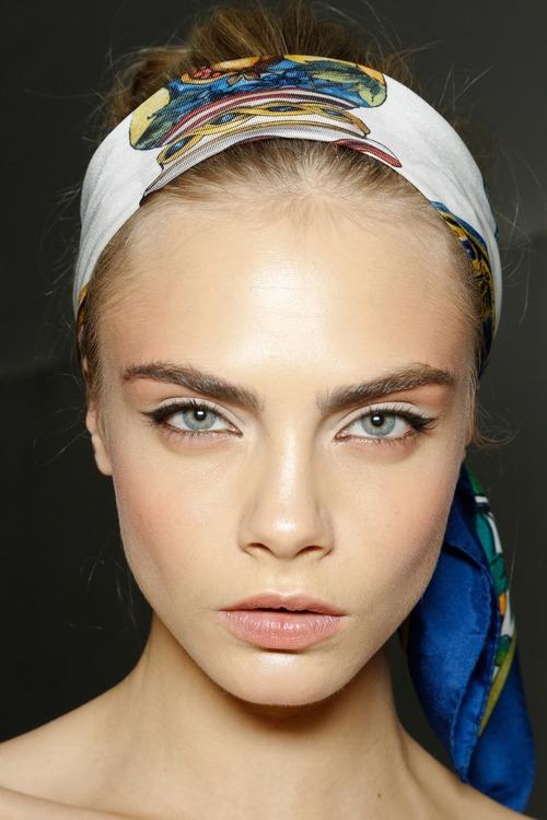clara_delevingne_eyebrow
