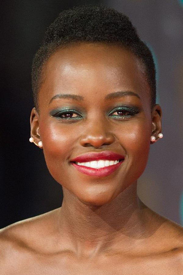 Lupita-Nyongo-BAFTA-Awards-2014
