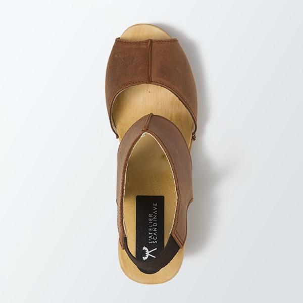 sabot-sandales-styles-en-cuir-gras-cognac-atelier-scandinave