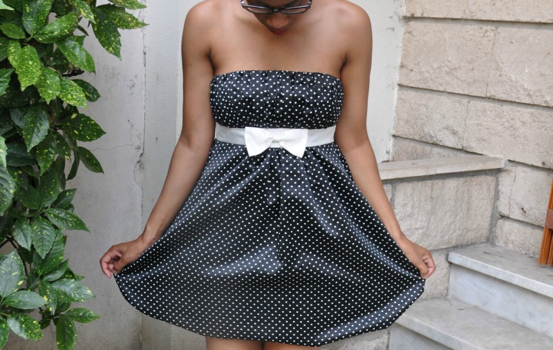 black_dress_white_dots
