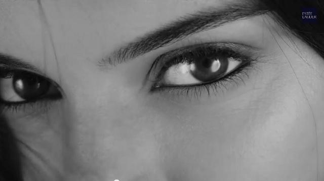 Kendall-Jenner-Estee-Lauder-Little-Black-Primer