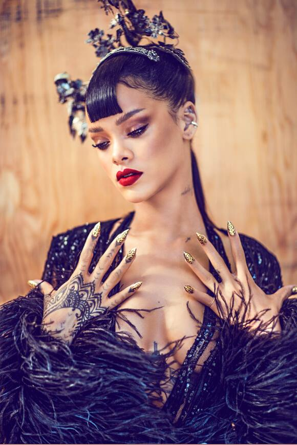 Rihanna-Harpers-Bazaar-China-Photo-BN-4