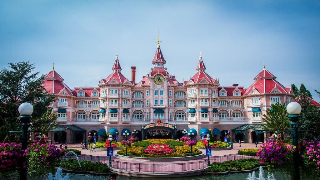 Chef Restaurant Disneyland Hotel