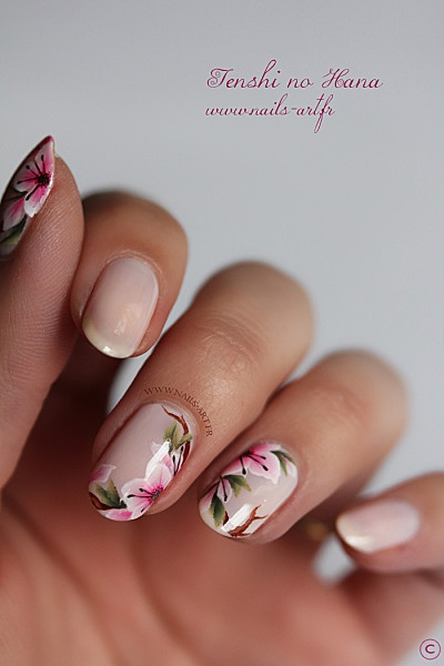 Source : http://ideasforbeautypic.com/nail-art/45-floral-nail-tutorials-to-try-out-this-summer.html